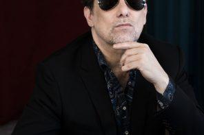 Andrés Calamaro:  nueva cosecha de canciones y un solo paracaídas